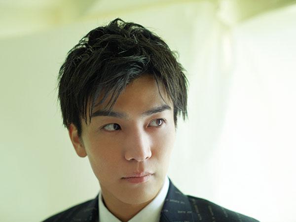 岩田剛典のスーツ姿に胸キュン♡ 映画『AI崩壊』で演じたクール&知的な役柄を語る!