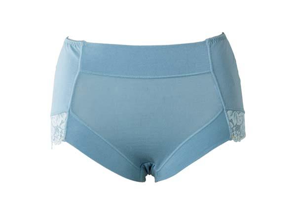 ショーツでぽっこりお腹&垂れ尻を解決! 履くだけできれいに見えるアイテム6選