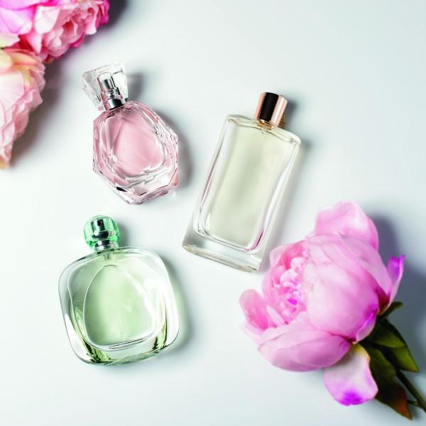 余った香水を楽しく使い切る。捨てる前に試したい意外な活用方法
