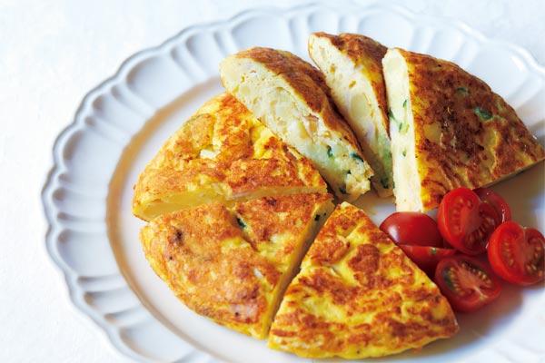 <レシピ>ポテトサラダがオムレツに! 料理家直伝の簡単アレンジテクニック