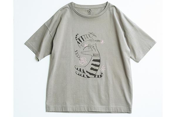 イラストTシャツを子どもっぽく見せない! 大人がおしゃれに着こなせる選び方とは