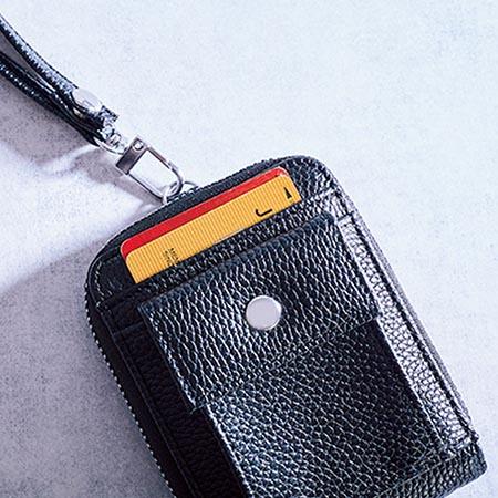コインポケットの裏にも収納ポケットが!